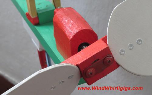 Flower Watering Wind-driven wooden Whirligig - details
